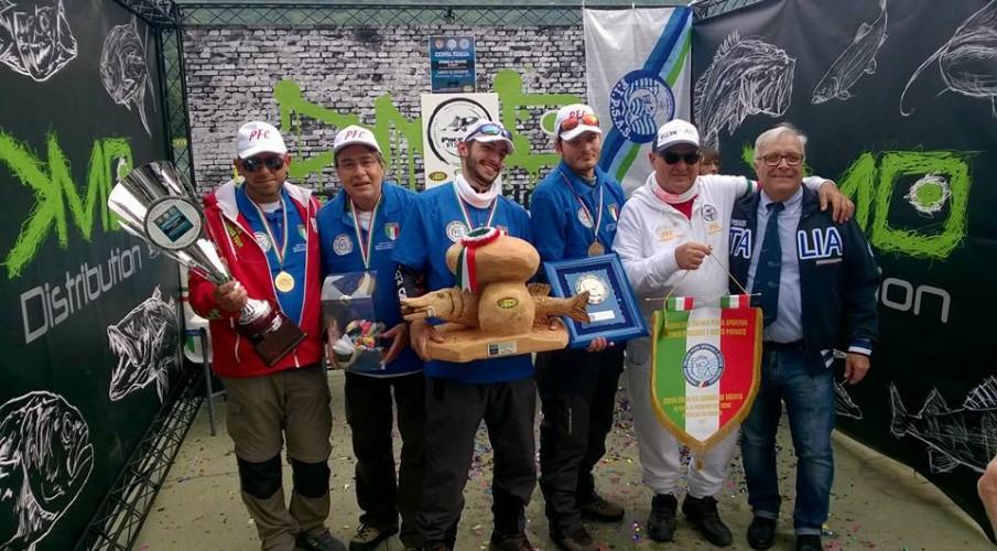 La Coppa Italia spinning da natante. Sul lago d'Endine vincono i bergamaschi del Predator FishIng Club