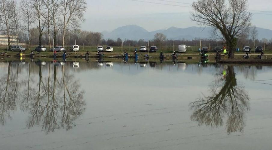 Tanti auguri di Buon Natale e Felice Anno nuovo dall' Associazione Pescatori di Bergamo