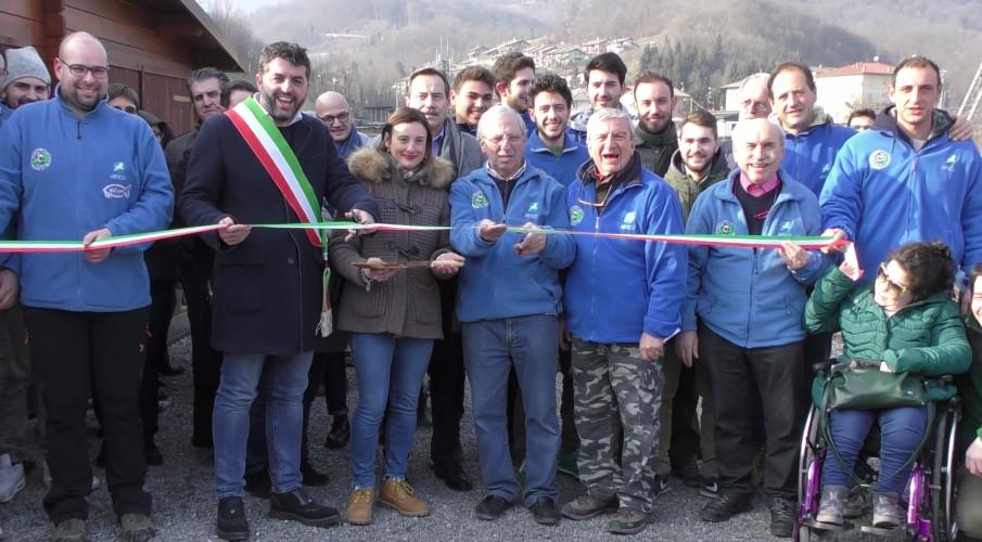 VIDEO- L'inaugurazione dell'incubatoio ittico di Sant'Omobono Terme per barbo canino e trote, grande successo di Fipsas Bergamo