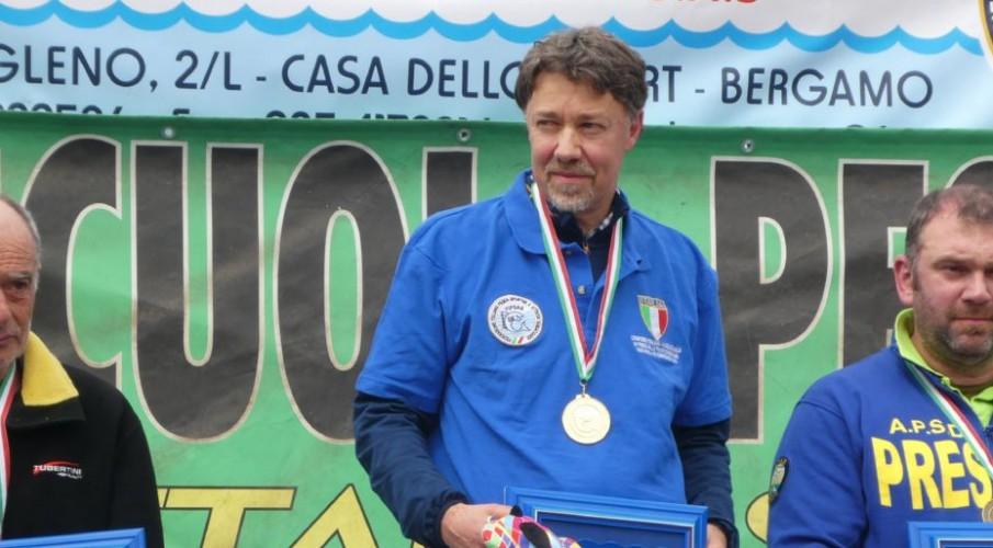 PHOTOGALLERY- Le immagini del campionato italiano promozionale trota torrente di Zogno. Profeta in patria Emanuele Pellegrini dello Strozza