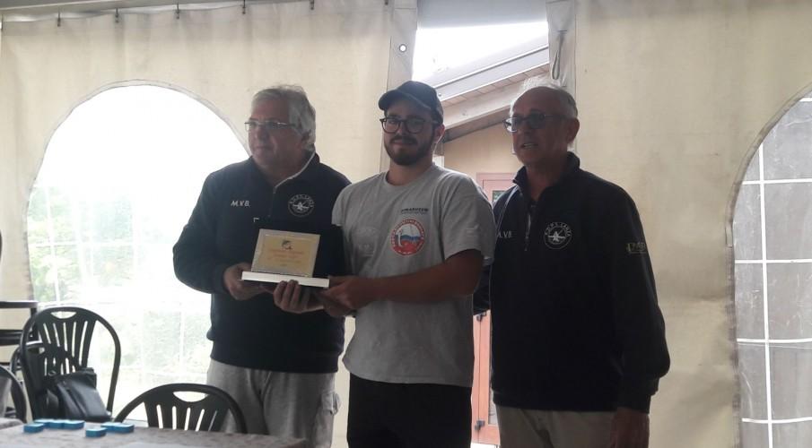 Marco Mutti della Pescasportivi Seriate campione regionale della pesca al colpo Juniores